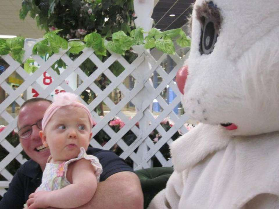 Violet meets the Easter Bunny!