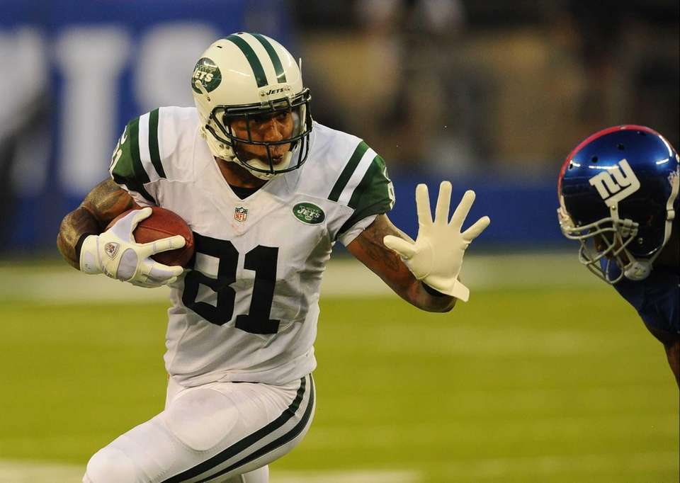 Jets tight end Kellen Winslow throws out a