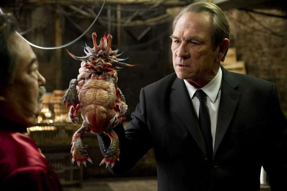 Tommy Lee Jones presented the Democratic Party's presidential