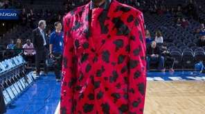 "Walt ""Clyde"" Frazier before a Knicks game against"