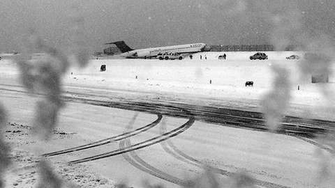 A Delta aircraft skidded on the runway at