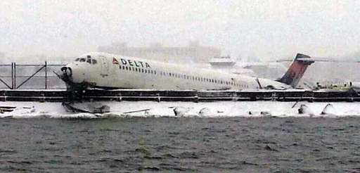 A Delta flight from Atlanta carrying 125 passengers