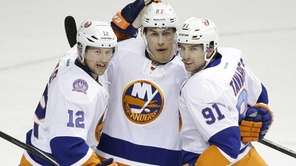 New York Islanders center Anders Lee celebrates with