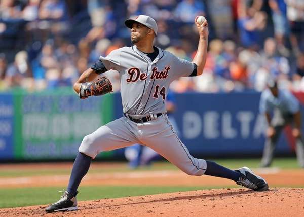 David Price of the Detroit Tigers pitches during