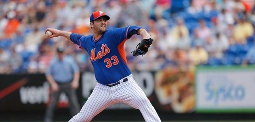 Matt Harvey of the New York Mets pitches