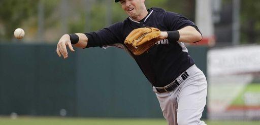 New York Yankees' Stephen Drew throws out Houston