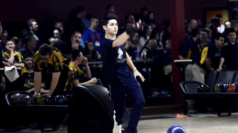 Hewlett's Andrew Bernstein bowls during the NYSPHSAA Bowling