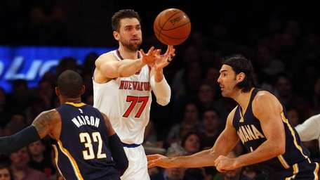 Andrea Bargnani of the New York Knicks passes