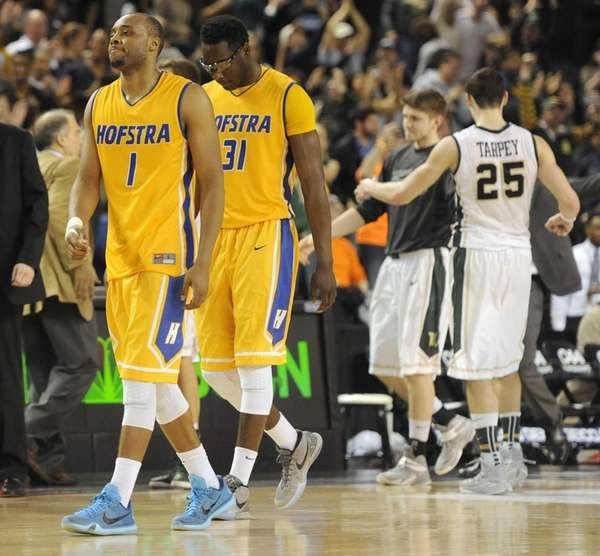 Hofstra's Juan'ya Green, left, and Moussa Kone, second