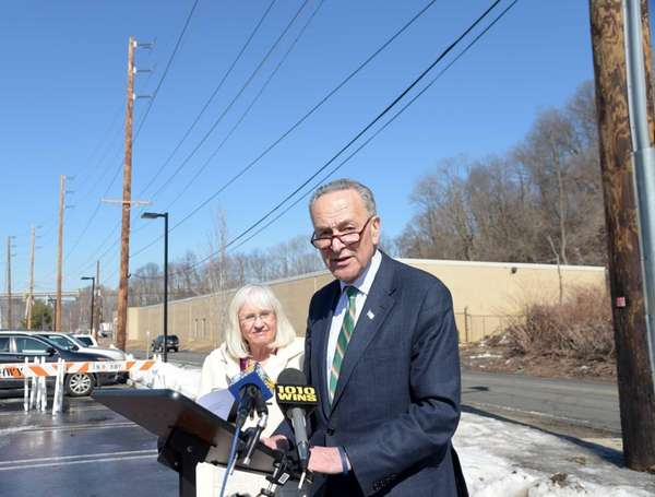 Sen. Charles Schumer speaks at Manhasset Valley Park