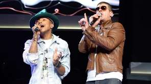 Pharrell Williams and Robin Thicke perform during the