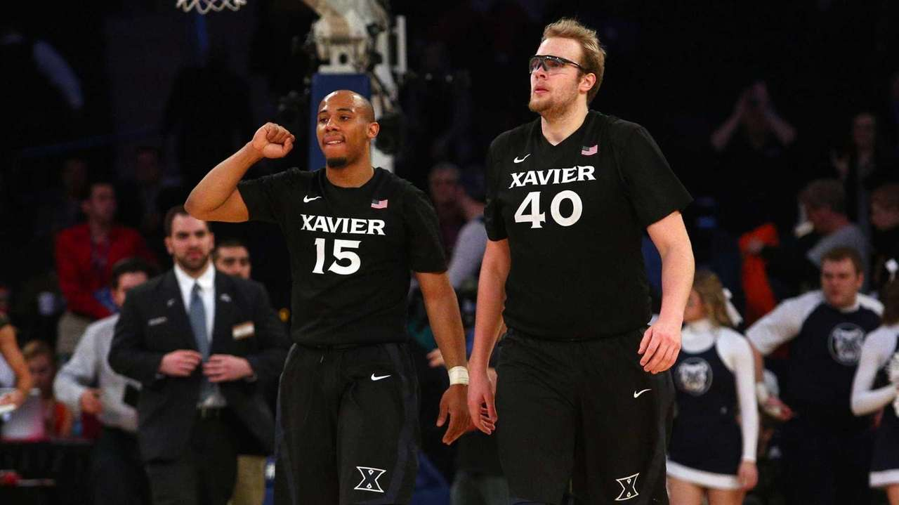 Xavier Musketeers guard Myles Davis and Xavier Musketeers