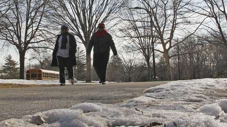 Despite colder temperature pedestrians still exercise in Eisenhower