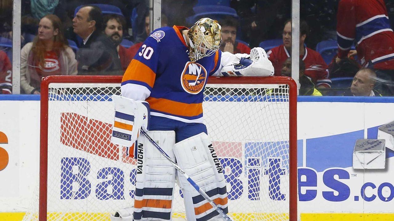 Michal Neuvirth of the New York Islanders looks