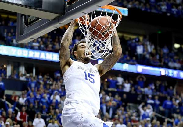 Willie Cauley-Stein #15 of the Kentucky Wildcats dunks