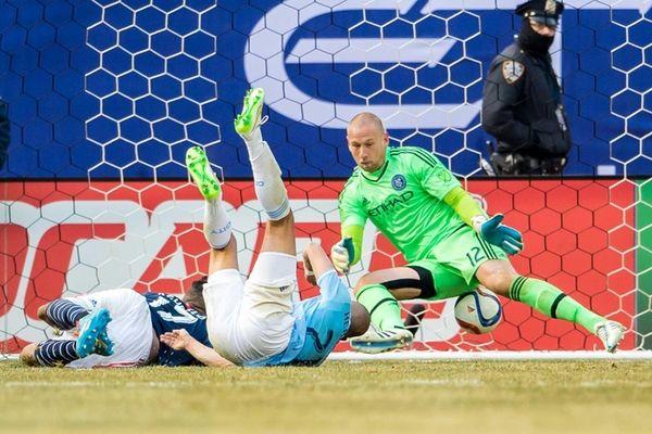 New York City FC goalkeeper Josh Saunders makes