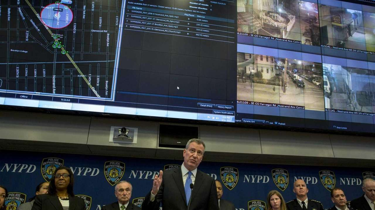 Mayor Bill de Blasio and Police Comissioner William