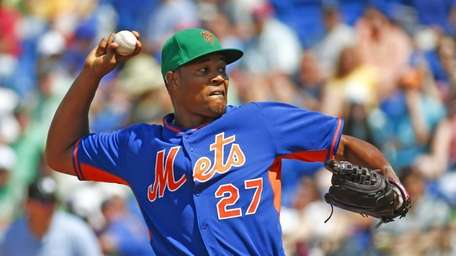 New York Mets relief pitcher Jeurys Familia works