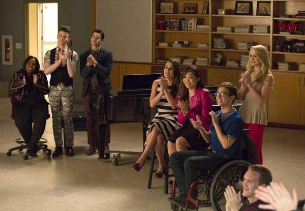 GLEE: L-R: Mercedes (Amber Riley), Kurt (Chris Colfer),