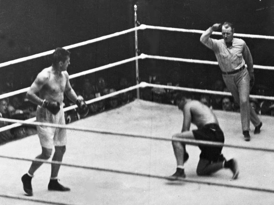 Even though Gene Tunney comfortably won his first