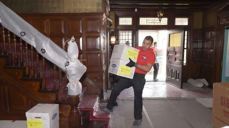 The Sagamore Hill staff and movers are moving