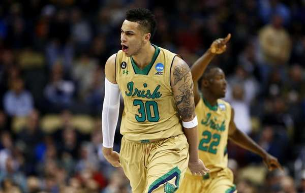 Zach Auguste #30 of the Notre Dame Fighting