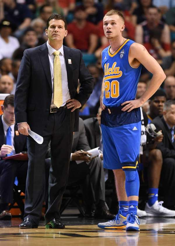 Head coach Steve Alford of the UCLA Bruins