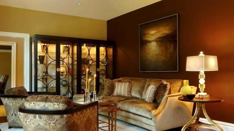 The living room of this Roslyn home decorated