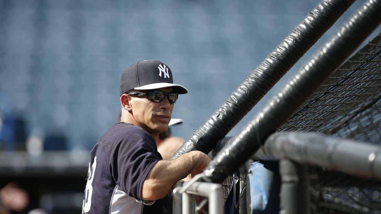 Yankees manager Joe Girardi looks on during bating