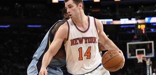 New York Knicks forward Jason Smith drives past