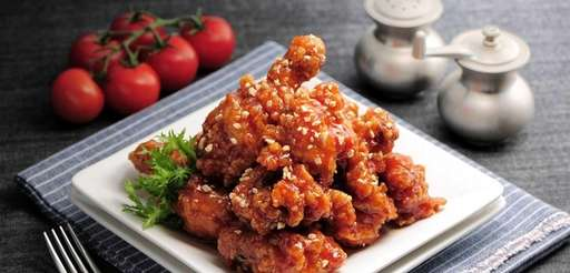 Inboston Chicken, new in East Northport, serves Korean-style
