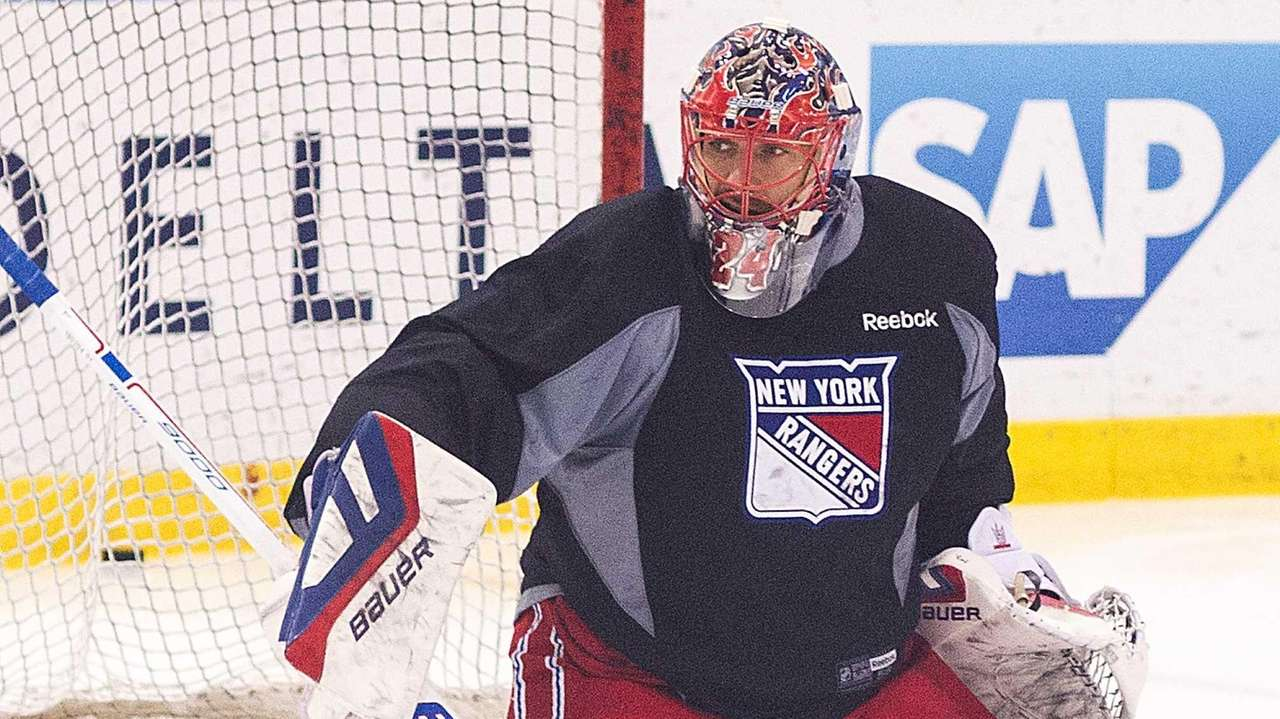 Rangers goalie Henrik Lundqvist practices at the MSG