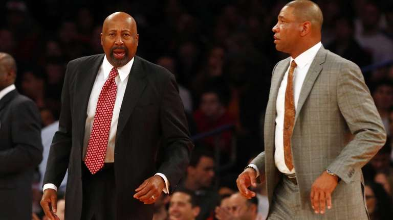 Assistant coach Mike Woodson of the Los Angeles