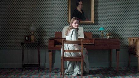 Still of Birte Schnoeink as Henriette, in