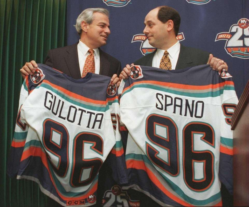 John Spano's attempt to buy the Islanders remains