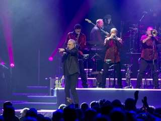 Neil Diamond performs at The Barclay's Center in