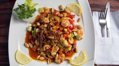 Kung pao delight, made with chicken, beef, shrimp