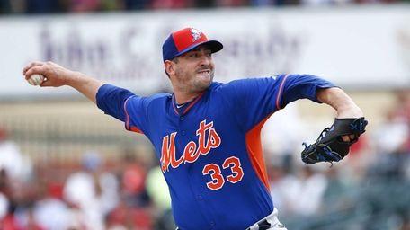 New York Mets starting pitcher Matt Harvey works