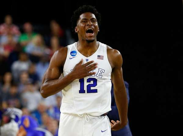 Justise Winslow of the Duke Blue Devils reacts