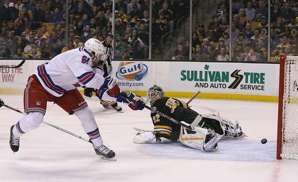 BOSTON, MA - MARCH 28: Rick Nash #61