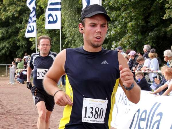 Co-pilot of Germanwings flight 4U9525 Andreas Lubitz participates