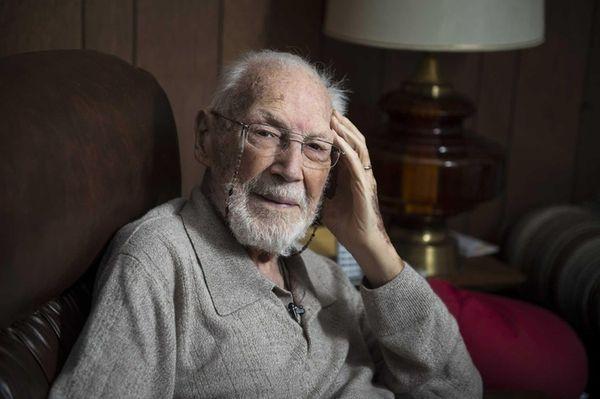 WWII veteran William Mueller, a survivor of the