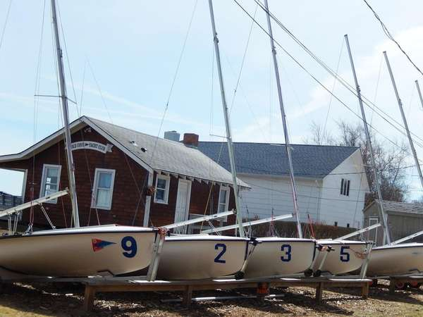 Old Cove Yacht Club in New Suffolk on