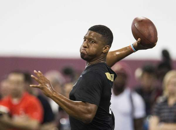 Jameis Winston passes during Florida State football pro