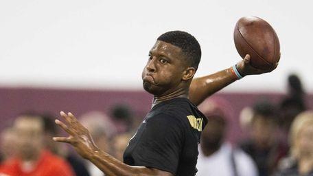 Jameis Winston passes during Florida State football pro