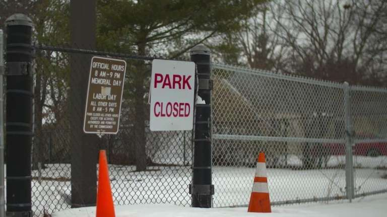 Roberto Clemente Park in Brentwood remains closed on