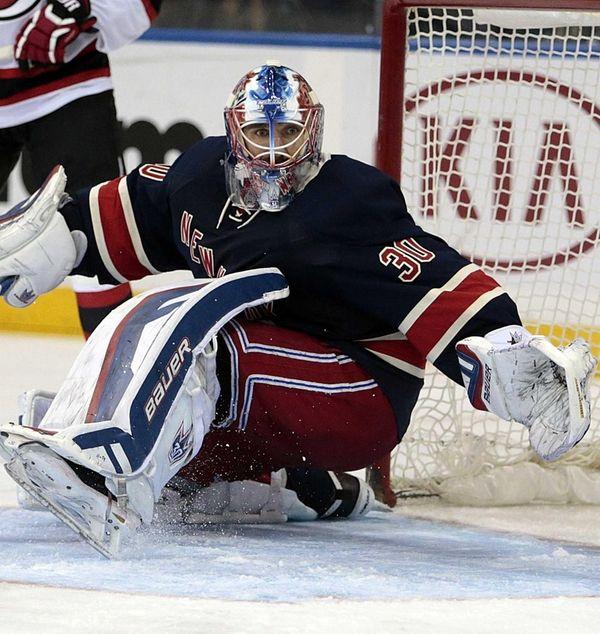 New York Rangers goalie Henrik Lundqvist turns in