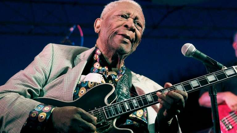 B.B. King performs at the 32nd annual B.B.