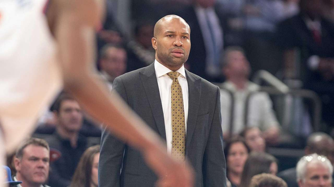 New York Knicks coach Derek Fisher reacts against