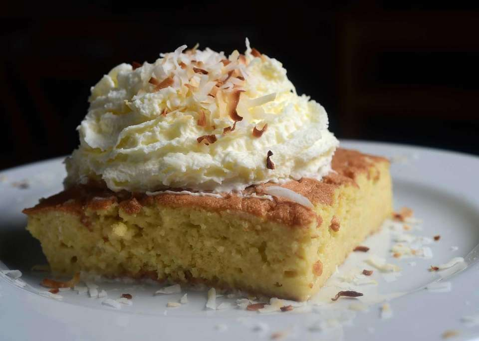 The Refuge Food & Spirits, Melville: Tres leches